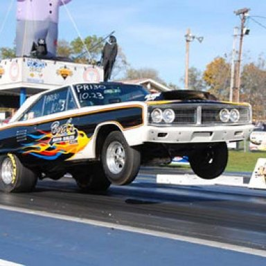 Ronnie McClelland wheels up at Pittsburgh Halloween Race