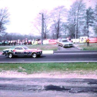 Bob Tatroe at starting line thompson 1969 photo by Todd Wingerter