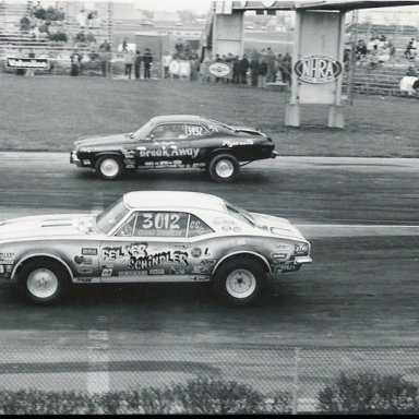 1975 INDY Div 3 wcs Kenny Schindler Ss-g 67 Felker Camaro vs Ronnie Zingale SS-la 74 Duster