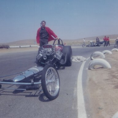 """Tommy Walsh's Top Fuel dragster """"The Wailer"""" at HRM Championships in 1965"""