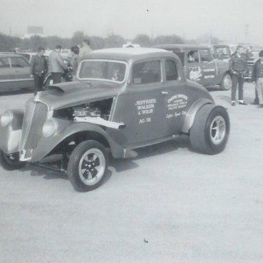 Jeffries, Walker & Willie A/G '33 Willys at Winternationals