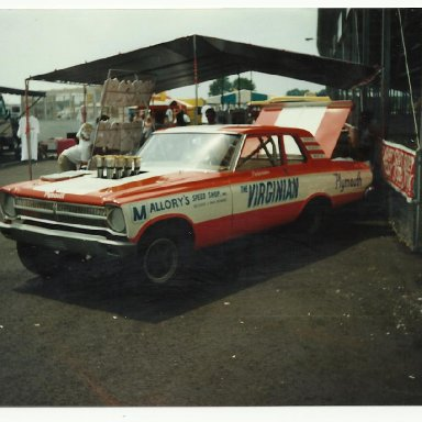 Picture of drag cars 099